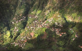 Z Eira do Serrado rozciąga się najlepszy widok na kręte górskie drogi